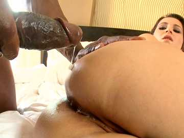 Anal fucking brunette Cindy Loarn gets a cumshot in interracial threesome