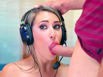 Gamer blonde Kimber Lee gets her ass eater during a video game competition